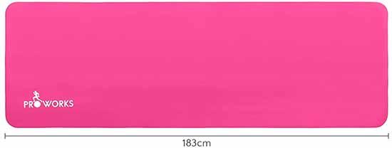 La longueur de ce tapis de yoga proworks est de 183 Cm